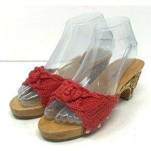 CraftsHawaii 7 Honey Rose Handmade Wooden Sandals